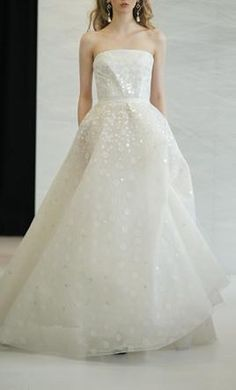 Sample Angel Sanchez Wedding Dress Size 2    Get a designer gown for (much!) less on PreOwnedWeddingDresses.com