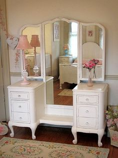 Spectacular White Antique Vanity with Tri-fold Mirror #shabbychicdresserswithmirror