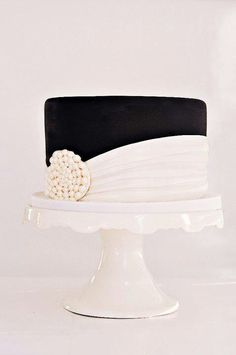 Beautiful black and white bridal shower cake