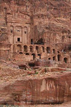 Wadi Rum, Ancient Architecture, Art And Architecture, Places Around The World, Around The Worlds, City Of Petra, Jordan Photos, Jordan Travel, Ancient Ruins
