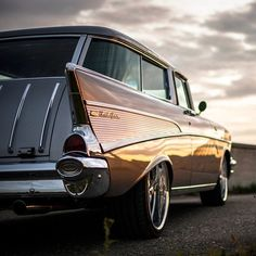 Rockabilly Kid, hotrodzandpinups:   utwo:   '57 Chevy Nomad ©... Rockabilly Kids, Chevy Nomad, Car Hood Ornaments, 1957 Chevrolet, Buick, Motor Car, Cadillac, Cool Cars, Classic Cars