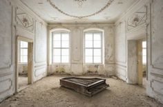 Beautiful Abandoned Places by Romain Thiery – Fubiz Media