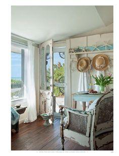 Shabby chic style, cottage shabby chic, shabby chic beach, cozy c Shabby Chic Living Room, Shabby Chic Cottage, Cottage Living, Shabby Chic Homes, Cottage House, French Cottage, Romantic Cottage, Romantic Beach, Cottage Patio