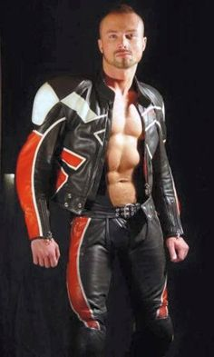 Leather racing suit and more leather Leather Fashion, Leather Men, Leather Pants, Fashion Men, Motard Sexy, Chemises Sexy, Bike Leathers, Motorcycle Men, Leder Outfits