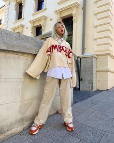 did someone say baggy ? Muslim Fashion, Asian Fashion, 90s Fashion, Fashion Outfits, Street Fashion, Asian Street Style, Korean Style, Street Styles, Aesthetic Fashion