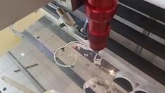 Mesin laser cutting CO2