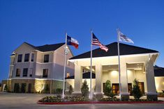 Homewood Suites Beaumont Beaumont (Texas) Located off Interstate this hotel is 3 miles from the golf course at Tyrrell Park. It features an on-site convenience store, mini golf and daily breakfast. Top Hotels, Hotels And Resorts, Student Work, College Students, Big Family, Home And Family, Montana, Homewood Suites, Hotel Guest