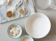 Jak si doma vytvořit voňavou esenci na toaletu – Tchibo Bath Bombs, Glass Of Milk, Icing, Desserts, Blog, Tailgate Desserts, Deserts, Postres, Blogging