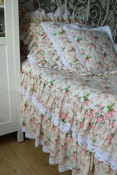 Bed Cover Design, Pillow Design, Guest Room Decor, Home Decor Bedroom, Fold Bed Sheets, Designer Bed Sheets, Girls Bedding Sets, Romantic Room, Linen Bedroom