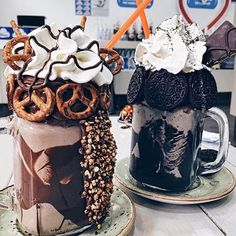 Can everyday be Chocolate Milkshake Day! Hump day just got a whole lot happier. Tag who you wanna share these with 👇🍫🥛 Think Food, I Love Food, Good Food, Yummy Food, Yummy Treats, Sweet Treats, Food Goals, Cute Food, Food Cravings