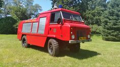 Land Rover Firetruck. ....     Yah don't see wonna these every day...