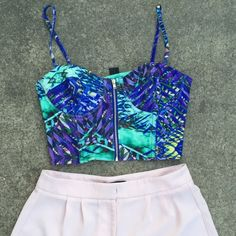 Tropical H&M X BEYONCÉ crop top Brand new without tags Tropical H&M X BEYONCÉ crop top size small. Be sure to check out my other listings! Bundle to save more:) cheaper on Ⓜ️ercari NO TRADES *not Zara* Zara Tops Crop Tops