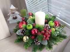 Christmas Flower Arrangements, Christmas Flowers, Christmas Centerpieces, Christmas Wreaths, Christmas Decorations, Table Decorations, Holiday Decor, Winter Wonderland, Xmas Ideas