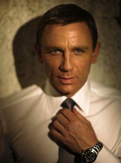 A real man like Daniel Craig aka James Bond can handle a real woman Rachel Weisz, Daniel Craig James Bond, Craig Bond, Casino Royale, Beautiful Men, Beautiful People, Beautiful Images, Daniel Graig, Best Bond