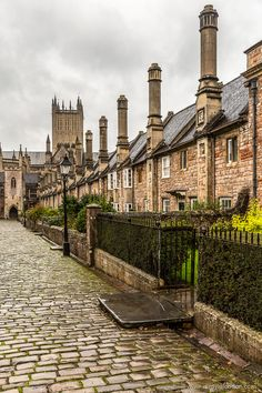Vicars' Close in Wells - Somerset, England Cities In Uk, Best Cities, England And Scotland, England Uk, Somerset England, Visit England, British Architecture, London Pubs, English Countryside