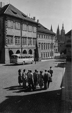 Prague of yesteryear. Courtesy of Vilém Heckel Archive Beautiful Places In The World, Most Beautiful, Czech Republic, Vintage Images, Archive, Louvre, Black And White, Retro, Travel