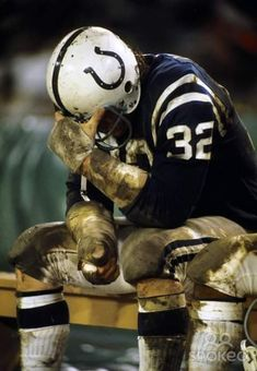 Nfl Football Players, Football Memes, School Football, Baltimore Colts, Baltimore Maryland, Contact Sport, Nfl History, Sports Figures, Vintage Football