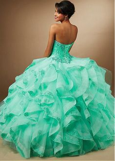 Exquisite Lace & Organza Sweetheart Neckline Ball Gown Quinceanera Dresses