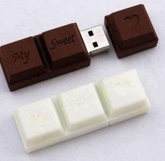 Chocolate USB Flash Drive Unusual flash memory stick designed to look like a ch. Pen Drive Usb, Usb Flash Drive, Funny Gifts For Women, Cool School Supplies, Accessoires Iphone, Usb Stick, Cool Inventions, Too Cool For School, Cool Things To Buy