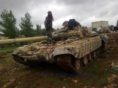 Civil War in Syria in the Mud Military Armor, Military Aircraft, T 72, Syrian Civil War, Jeep Grand, Armored Vehicles, War Machine, Civilization, Military Vehicles