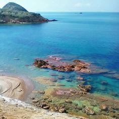 La spiaggia dell'#innamorata a #capoliveri nello scatto di @e3k_elbatrek. Continuate a taggare le vostre foto con #isoladelbaapp il tag delle vostre vacanze all'#isoladelba.