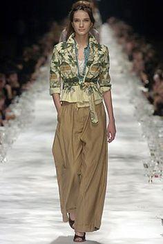 Dries Van Noten Spring 2005 Ready-to-Wear Fashion Show - Olga S.