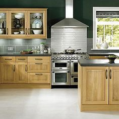 Oak is a very popular material used in the construction of kitchen cabinets due to its durability and natural beauty. Cooke and Lewis offer a wide range of Kitchen Fittings, Home Kitchens, Contemporary Kitchen Diy, Contemporary Kitchen, Classic Kitchens, Replacement Kitchen Doors, Kitchen Cabinet Styles, Oak Kitchen, Kitchen Cabinets