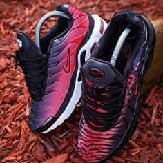 Nike Air Max Plus, Air Max Plus Tn, Nike Tn, Latest Shoe Trends, Unique Shoes, Best Sneakers, Nike Fashion, Shoe Game, Lady In Red