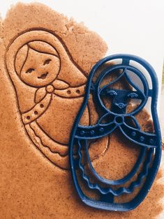 Matryoshka Cookie Cutter-sad it's no longer available! :( would be so fun to have! Russian Party, Matryoshka Doll, Christmas Gingerbread, Christmas Crafts, Russian Recipes, Fabric Dolls, Paper Dolls, Cool Gifts, Cookie Cutters