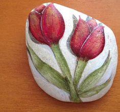 Imagini pentru flower painted rocks