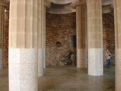 Columns at Parc guell    Трансфер из Барселоны в Аэропорт  и  Предлагаем услуги экскурсии  трансфер, отдых, #travel