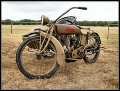 Indian Motorcycle with sidecar by WanaM3, via Flickr