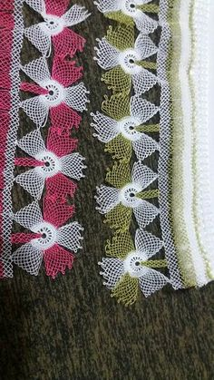 This Pin was discovered by SAL Needle Lace, Crochet Doilies, Knots, Diy And Crafts, Blanket, Point Lace, Sewing Needles, Ribbon Flower, Embroidered Towels