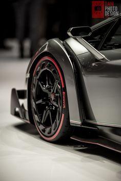 Lamborghini Veneno   | Drive a Lambo @ http://www.globalracingschools.com