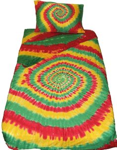 Find the exciting and popular Rasta spiral tie dye duvet cover. A perfect match with our sheet set and a perfect match for many rooms. Tie Dye Sheets, Hippie Bedroom Decor, Diy Bedroom, Tie Dye Bedding, Spiral Tie Dye, Tie Crafts, Tie And Dye, Curtains With Rings, Tie Dye Patterns