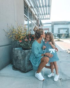 Friday night with my mini. 🖤Headed to to get my eyebrows microbladded (yay!) and Sutton's getting her hair did by… Source by llordyll daughter outfits Mother Daughter Outfits, Mommy And Me Outfits, Future Daughter, Family Outfits, Young Mom Outfits, Cute Family, Baby Family, Family Goals, My Baby Girl