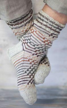 Would look good in grey with a bright varying contrast wool Cosy Socks, Warm Socks, Knit Socks, Mosaic Knitting, Lots Of Socks, Sock Knitting, Crochet Fashion, Leg Warmers, Yarns