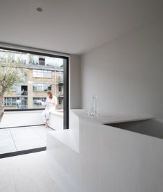 Britannia Wharf by Paolo Cossu Architects - Design Milk Minimalist Furniture, Minimalist Interior, Modern Minimalist, Two Bedroom House, Roof Extension, Architect Design, Custom Furniture, Modern Design, Architects