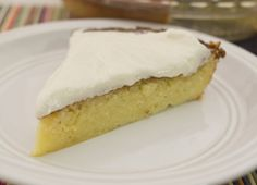 This sugar-free, gluten-free, buttery lemon cake is a perfect S dessert on the Trim Healthy Mama plan.