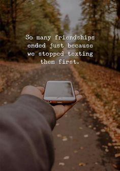 Best friendship quotes funny and funny friends sayings Lost Friendship Quotes, Quotes About Friendship Ending, Bff Quotes, Best Friend Quotes, Attitude Quotes, Words Quotes, Funny Quotes, Funny Friendship, Girl Friendship