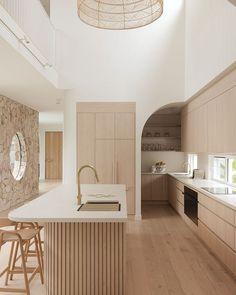 Casa Magnolia, Kitchen Interior, Kitchen Decor, Interior Design Institute, The Design Files, Cuisines Design, Interiores Design, Interior Design Inspiration, Home Kitchens