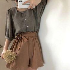Look Fashion, Korean Fashion, Girl Fashion, Fashion Outfits, Fashion Shirts, Skater Fashion, Japan Fashion, Modest Fashion, Fashion Pants
