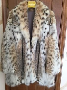 874b313025082 Details about Womens Real Coyote Fur Coat/Jacket Medium-Large. 10-12. Not  Mink Sable Lynx Fox