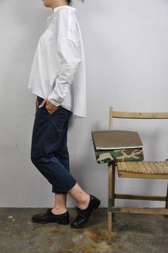 秋最初に着たい白シャツ … nicholsonの画像:acoustics1F
