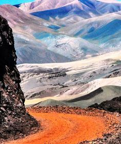 Camino a Laguna Brava, La Rioja. Argentina I would like to visit because it reminds me of the hike project we did last nine weeks. Argentina South America, South America Travel, Places To See, Places To Travel, Beach Adventure, Equador, Nature Beach, Argentina Travel, Gaucho