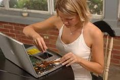 iFixit.com es unos de los sites más populares de la red gracias a sus afamados manuales de reparación gratuitos de productos electrónicos tan conocidos como el iPod, la Nintendo, el iPhone, iPad, etc. En definitiva, electrónica de consumo con obsolescencia programada... ordenadores portátiles, …
