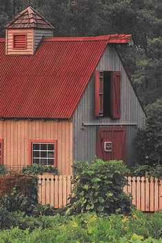 Barn & Fence Match In Color..Nice