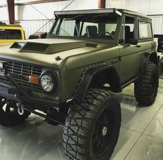awesome paint job,, OD Green trimmed in Black.