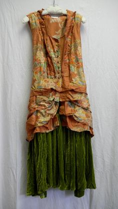 Pea Green silk velvet skirt with mango vest by Krista Larsen from Kati Koos Funky Outfits, Vintage Outfits, Cool Outfits, Boho Fashion, Girl Fashion, Fashion Outfits, Womens Fashion, Natural Women, Gypsy Style