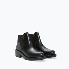 Image 2 of FLAT BOOTIE WITH ELASTIC SIDE from Zara